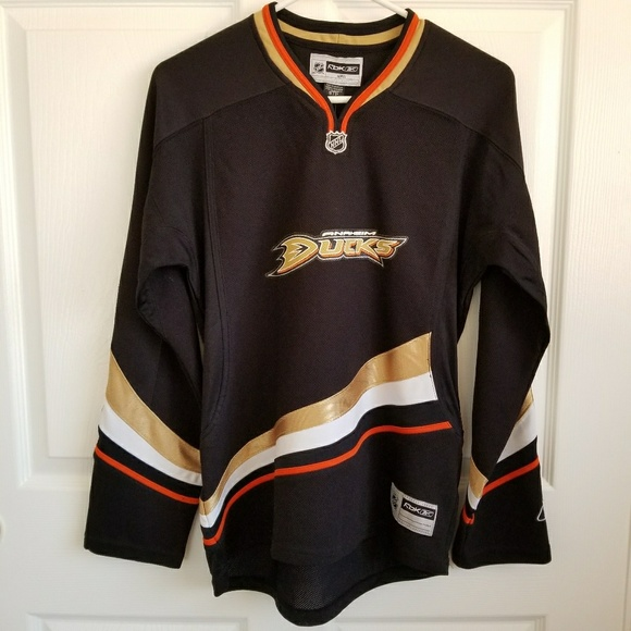 designer fashion 35278 c09ad NWT Official Women's NHL Anaheim Ducks Jersey NWT